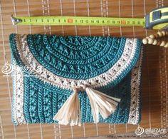 вск2 (700x580, 251Kb) Crochet Case, Bag Crochet, Crochet Clutch, Crochet Handbags, Crochet Purses, Free Crochet, Crochet Necklace, Crotchet Patterns, Crochet Patterns For Beginners