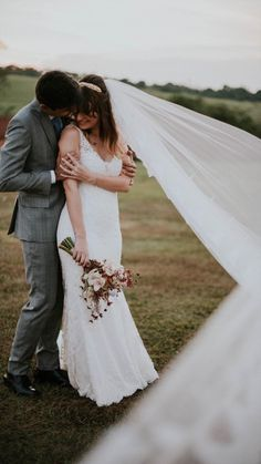 Talita Soravassi ♡ João by Old Love Beautiful Bride, Wedding Dresses, Brides, Fashion, Outside Wedding, Groom Wear, Bride Dressing Gown, Weddings, Engagement