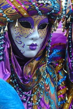 Carnevale, Italy,Venice! Look at the amazing colour, so exciting!