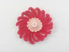 Flor de Crochet com Perolas !!!! - YouTube