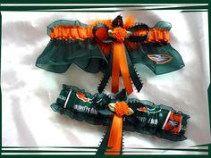 25.99$  Buy here - http://vixrv.justgood.pw/vig/item.php?t=dmgzxu24138 - Miami Hurricanes Green Organza Fabric Flower Wedding Garter Set OB 25.99$