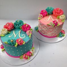 Cake decorating may be a superb interest and is a terrific way to express your imagination. Cake decorating can be a great deal of fun and quite rewarding, even if you believe that you enjoy it well enough it's possible to turn into a Deco Cupcake, Cupcake Cakes, Fancy Cakes, Mini Cakes, White Flower Cake Shoppe, Bolo Cake, Cake Decorating Techniques, Floral Cake, Occasion Cakes