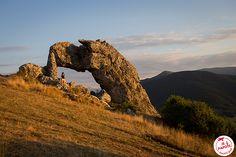 La pierre percée