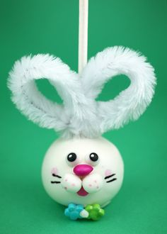 Clear baubles with cotton or fake snow. Decorate as an Easter bunny for Easter tree.