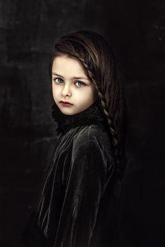 Фотограф Натали Оганесян Art Photography Portrait, Children Photography, Fine Art Photography, Portrait Studio, Portrait Art, Rembrandt Portrait, Doll Painting, Creative Portraits, Portrait Inspiration