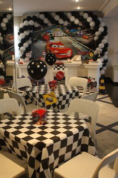 61 Trendy Disney Cars Birthday Party Ideas Mcqueen Best Picture For super cars For Your Taste You are looking for something, an Hot Wheels Party, Festa Hot Wheels, Hot Wheels Birthday, Race Car Birthday, Race Car Party, 2nd Birthday, Birthday Ideas, Car Themed Birthday Party, Car Themed Parties