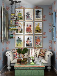 KIT KEMP Co-owner and Creative Director of Firmdale Hotels -not only an interio. - Different and Beautiful Ideas Wallpaper Wall, Home Interior, Interior Design, Luxury Interior, Vogue Living, Loft Spaces, Living Spaces, Studio Spaces, Living Rooms