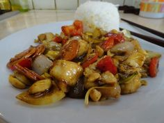 Kung Pao Chicken, Supreme, Avocado, Food And Drink, Cooking Recipes, Chinese, Beef, Health, Ethnic Recipes