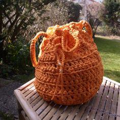 Häkelbeutel orange von Meine Strickerei auf DaWanda.com