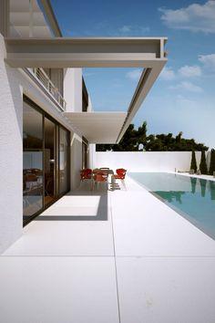 life1nmotion:  House BAUHAUS | Line Architects