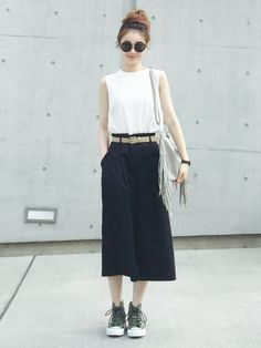 The latest fashion trends School Girl Japan, Mode Outfits, Fashion Outfits, Womens Fashion, Fashion Trends, Ulzzang Mode, Japanese Fashion, Asian Fashion, Simple Outfits