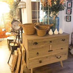We love to see our pieces styled in stores , especially when they look like this post of our Oslo Scandi Drawers Scandi Style, Nordic Style, Interior Styling, Interior Design, Bedroom Inspo, Chest Of Drawers, Oslo, House Styles, Furniture