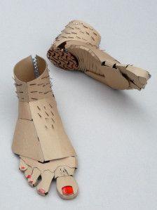 Cardboard Costume, Cardboard Crafts, Paper Crafts, Puppet Costume, Cardboard Sculpture, Sculpture Art, Paper Sculptures, Diy Cardboard Furniture, Recycled Art