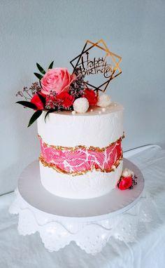 Fault line cake - cake by alenascakes Fancy Birthday Cakes, Birthday Cake With Flowers, Beautiful Birthday Cakes, Birthday Cakes For Women, Fancy Cakes, Birthday Cake For Women Elegant, Happy Birthday, Cake Decorating Designs, Cake Decorating Techniques