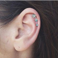 Great Photos Cartilage Piercings cross Tips If an ordinary striking isn't really adequate, some people want so that you can in the ante on his or her c Ear Piercing Helix, Cute Ear Piercings, Flat Piercing, Cartilage Earrings, Septum, Cartilage Piercings, Ear Peircings, Gold Hoop Earrings, Diamond Earrings