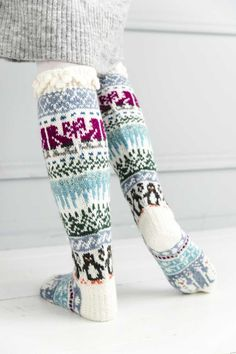 kuva Knitting Socks, Leg Warmers, Wwe, Knit Crochet, Legs, Winter, Crocheting, Alternative, Fashion