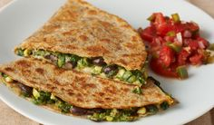 Black Bean and Vegetable Quesadillas- Whole wheat tortillas give the classic quesadilla a healthy twist Quesadillas, Low Carb Recipes, Cooking Recipes, Healthy Recipes, Low Carb Vegetarian Diet, Cilantro, 500 Calorie Dinners, Healthy Cooking, Healthy Food