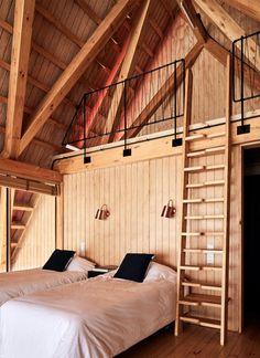 A bedroom in Casa Malalcahuello by GAAA.