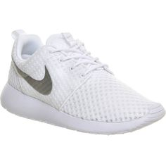 NIKE Roshe run trainers ($105) ❤ liked on Polyvore featuring shoes, sneakers, nike, flats, white metallic silve, flat pumps, metallic flats, flat shoes, nike shoes and mesh sneakers