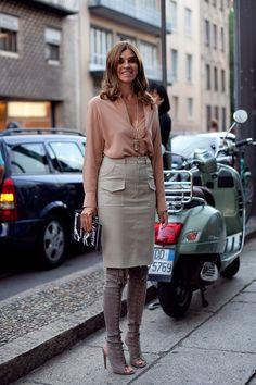 #CarineRoitfeld looking fab in Milan.
