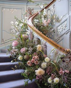 Wedding Stage, Fall Wedding, Autumn Weddings, Wedding Ideas, Wedding Ceremony, Vintage Wedding Flowers, Floral Wedding, Wedding Staircase, Wedding Centerpieces