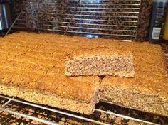 HEERLIKE SEMELBESKUIT MET ROOM Kos, Snickers Torte, Rusk Recipe, Crockpot Recipes, Cooking Recipes, Bread Recipes, Cow Cakes, All Bran, South African Recipes