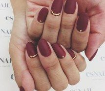 Inspiring image red, winter, classy, gold, christmas, nails, december #1537894 by lovely_jessy - Resolution 600x800px - Find the image to your taste