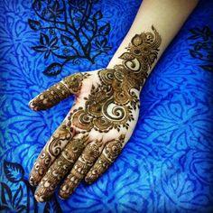 Henna Mehndi, Mehendi, Hand Henna, Mehndi Art Designs, Mehndi Patterns, Hand Tattoos, Baby Dresses, Mandala, Baby Dress