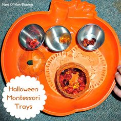 Lots of fun Montessori tray ideas for kids. Including pumpkin lifecycle learning, practical life, math ideas, and sensory bins all Halloween themed.