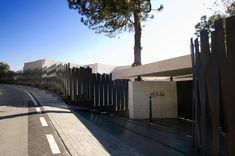 Image 13 of 64 from gallery of Single Family Property in Marbella / A-cero. Photograph by Jacobo España (Negami) Puerto Banus, Geometric Form, Grand Homes, Main Door, Mediterranean Sea, Single Family, Paths, Facade, Environment