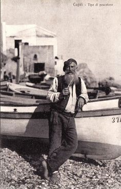 Fisherman in Capri, Italy - circa 1900 Antique Photos, Vintage Photographs, Vintage Photos, Vintage Italy, Mode Vintage, Positano, Amalfi, Old Pictures, Old Photos