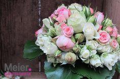 Brautstrauß rosa weiß aus Rosen von Meier Eventfloristik, Deinem kreativen Partner für den blumigen Rahmen Deiner Hochzeit oder Veranstaltung.