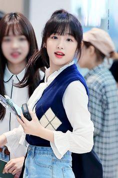 3 In One, Fun To Be One, Kpop Girl Groups, Kpop Girls, Yuri, Eyes On Me, Sketch Poses, Baby Ducks, Japanese Girl Group