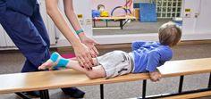 Obezitatea este intâlnită din ce în ce mai des la copiii de toate vârstele, fiind determinată in principal de un stil alimentar haotic și lipsa unui program activ de mișcare. Înscrierea celor mici într-un program de kinetoterapie este o soluție potrivita pentru a le îmbunătăți starea de sănătate și a le schimba stilul de viată sedentar. Mai