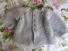 My inspiration for this sweater, was my little girl. She want a pink sweater and mommy made the perfect one for her. I also gave her name to this sweater, so this pattern is entirely belongs to her. Crochet Baby Sweater Pattern, Crochet Baby Sweaters, Baby Sweater Patterns, Baby Knitting, Knitting Patterns, Crochet Patterns, Pull Bebe, Boyfriend Crafts, Baby Cardigan
