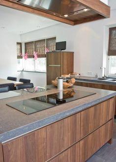 Thijs van de Wouw Keukens - Modern Notenhout