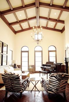 zebra!! I like everything about this room. Love the ceiling.
