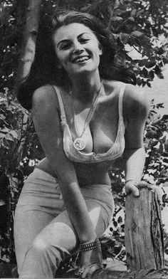 Rosiena naked pussy hustler