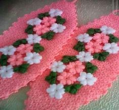 This Pin was discovered by Ünz Puff Stitch Crochet, Crochet Stitches, Crochet Baby, Crochet Table Mat, Rugs And Mats, Baby Knitting Patterns, Crochet Doilies, Diy And Crafts, Crochet Necklace