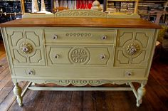 versailles+chalk+painted+furniture | Chalk Paint® decorative paint by Annie Sloan. Versailles mixed with ...