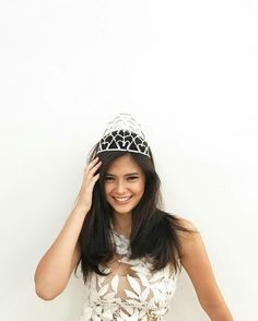 Bianca Umali Filipina Actress, Filipina Beauty, Woman Standing, Best Actress, Viera, Luxury Life, Beautiful Celebrities, Celebrity Crush, Hot Girls