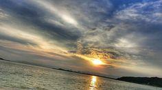 15  Sep. 6:33 薄日さす博多湾の朝です。 Morning  at  Hakata bay in Japan