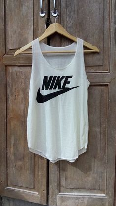 Fitness Women's Clothes - Nike Tank Top Women Fitness top for Beach Summer by BeeSimpleDay - nike womens clothing Nike Outfits, Casual Outfits, Summer Outfits, Fitness Outfits, Casual Shoes, Nike Tank Tops, Athletic Tank Tops, Mode Adidas, Camille Callen