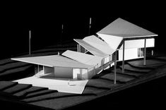 Final model of a new Pullen Art Center, to be located on the site of the current buidling in Pullen Park, Raleigh, NC.     Designed for my junior year architectural studio at the College of Design.