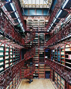 Library, The Hague, The Netherlands photo via myopera. Handelingenkamer Tweede Kamer Der Staten-Generaal Den Haag, the Hague, Netherlands Beautiful Library, Dream Library, Library Books, Future Library, College Library, Library Card, Future House, My House, La Haye