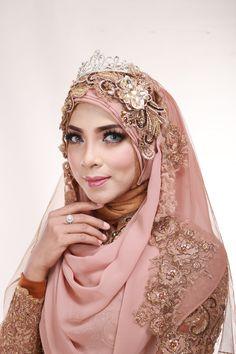 Kebaya Muslimah Laksmi  NEW COLLECTION oleh LAKSMI - Kebaya Muslimah & Islamic Wedding Service • Gaun pengiring pengantin | Bridal | Bridestory di Indonesia | Bridestory