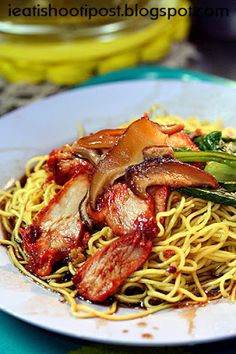 Wanton Noodle Specialist: Hong Kong Style Wanton Mee Since 1965 - ieatishootipos. Wanton Noodle Specialist: Hong Kong Style Wanton Mee Since 1965 - ieatishootipost Wanton Mee Recipe, Asian Recipes, Ethnic Recipes, Chinese Recipes, Chinese Food, Good Healthy Recipes, Gourmet Recipes, Gratin Dish, Asian Cooking