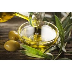The best olive oil benefits come from extra virgin olive oil. Those olive oil benefits include benefiting your heart and brain. Learn more about olive oil benefits here. Cooking With Coconut Oil, Greek Cooking, Cooking Oil, Cooking Bacon, Oven Cooking, Healthy Cooking, Huile Tea Tree, Tea Tree Oil, Home Remedies