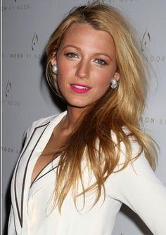 Nars Schiap .. she looks HOT!!!
