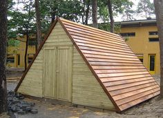 Maatwerk tuinhuisje van red cedar van Van Aarle